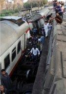 Крушение скорого пассажирского поезда в Египте